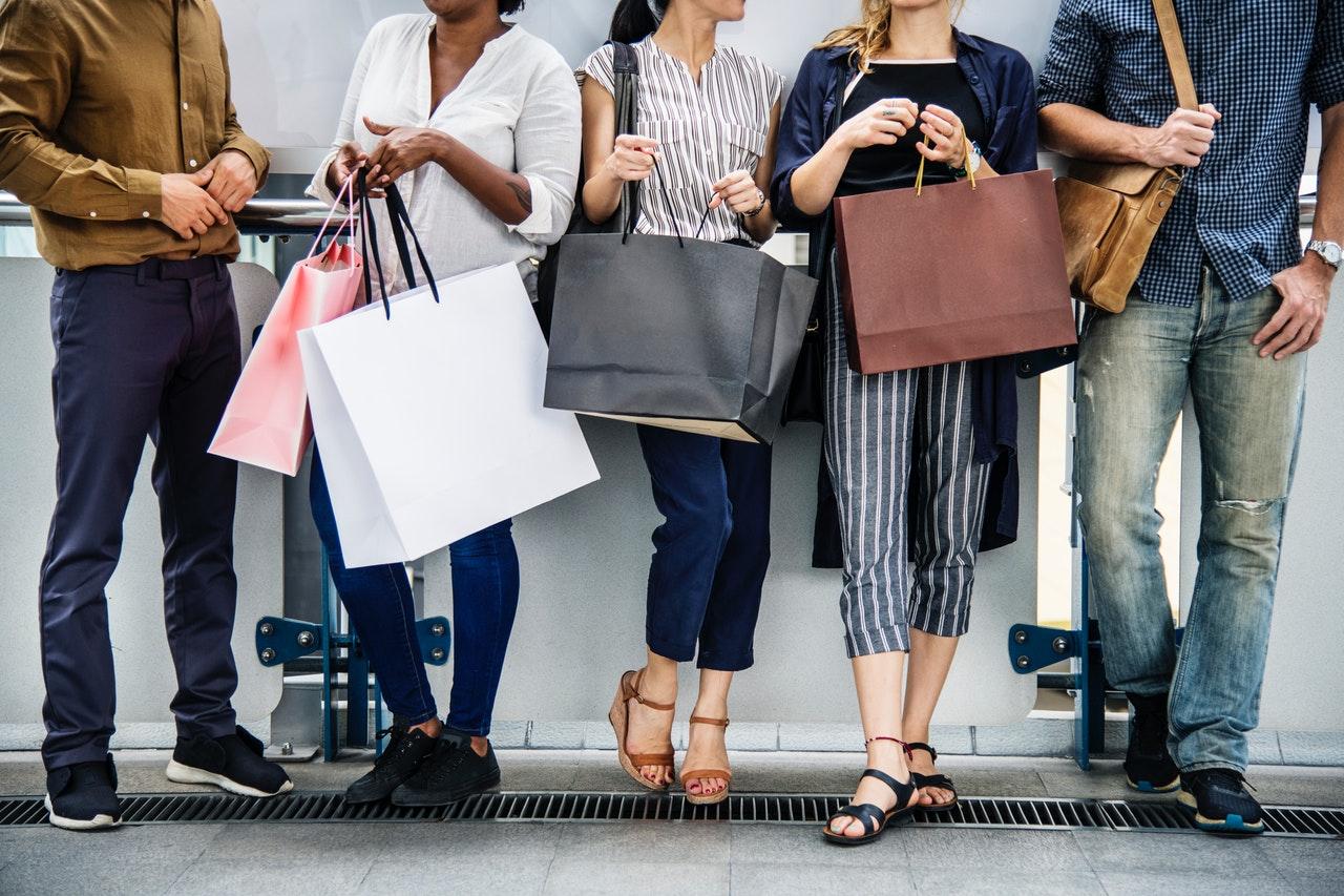 millenials shopping